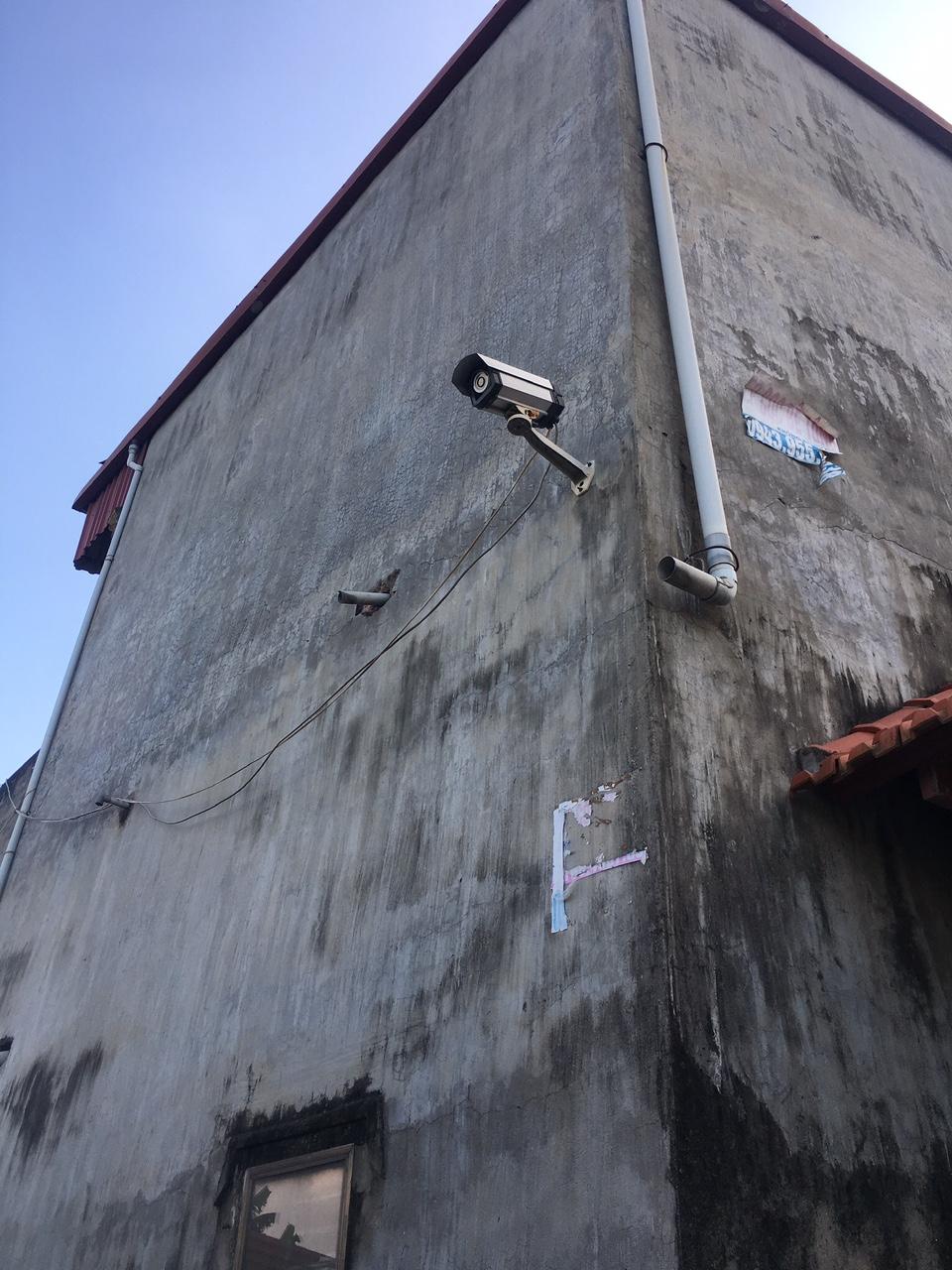 lap-dat-camera-giam-sat-tai-nha-rieng-14